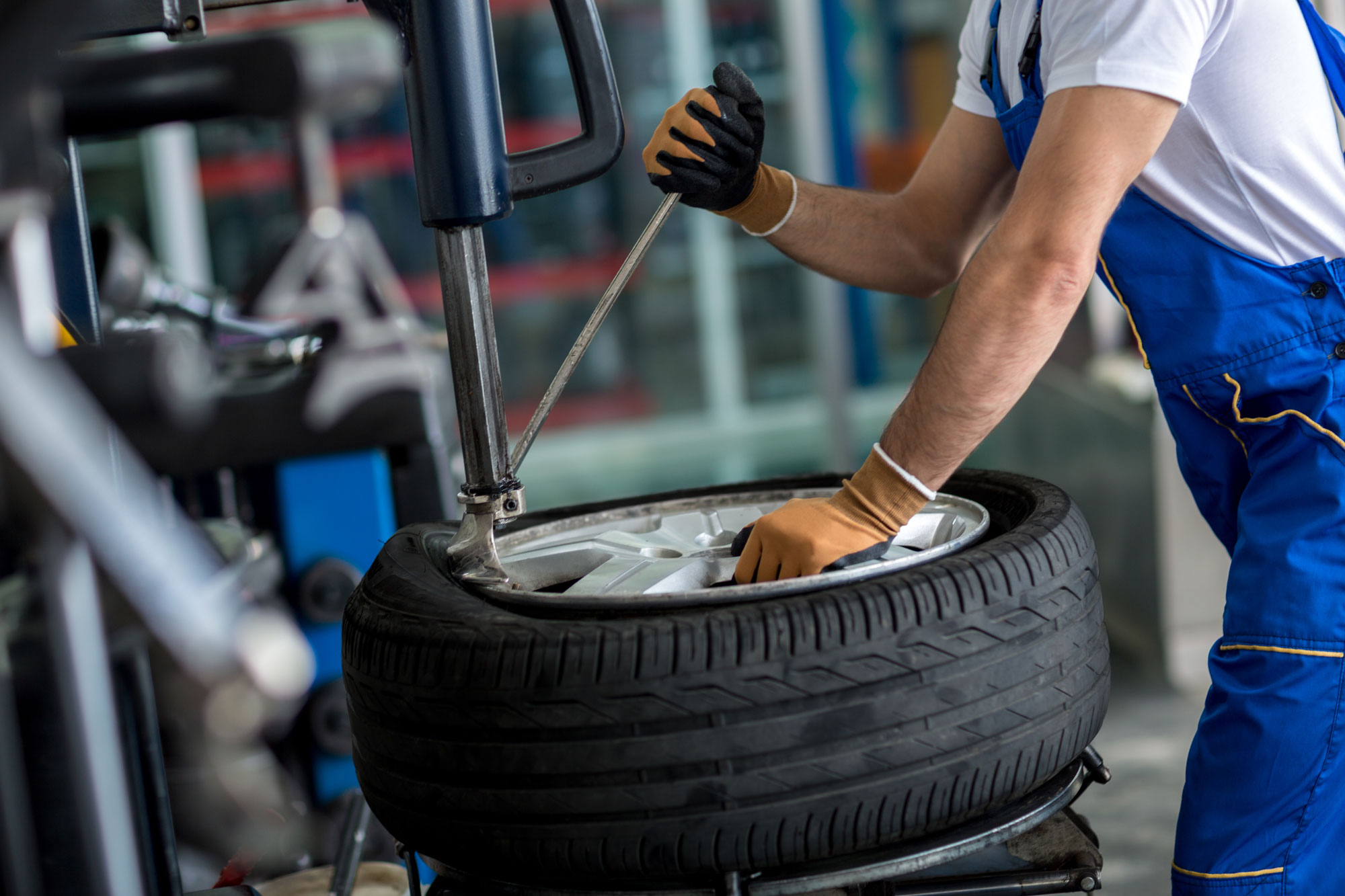 Tyre Fitting - AD Car Care Wimbledon
